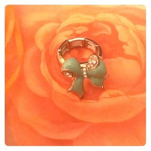 Jewelry - Mint green bow ring